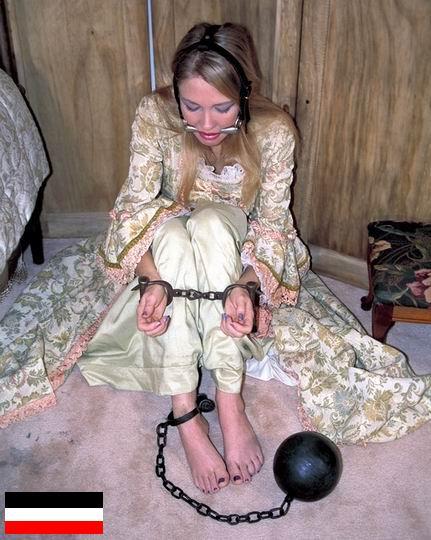 Онлайн девушка живет в сексуальном рабстве видео видео как