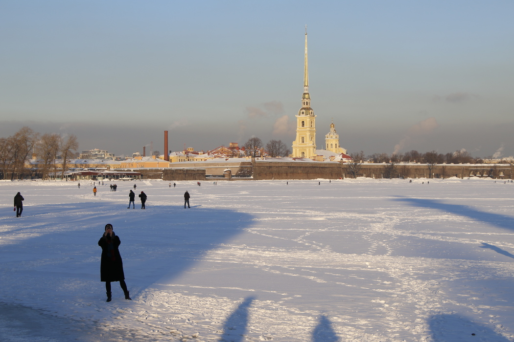 Петербуржцев 14 января ждут морозы до -19 и снегопад