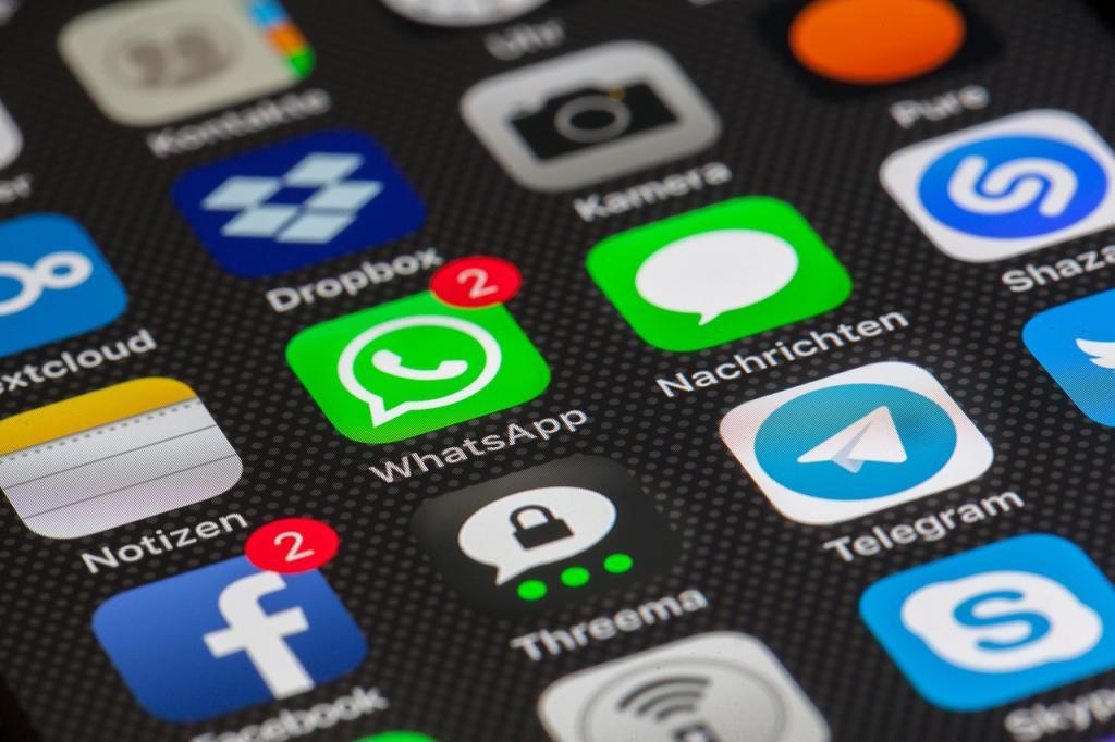 Дуров заявил, что за пользователями следят благодаря iCloud
