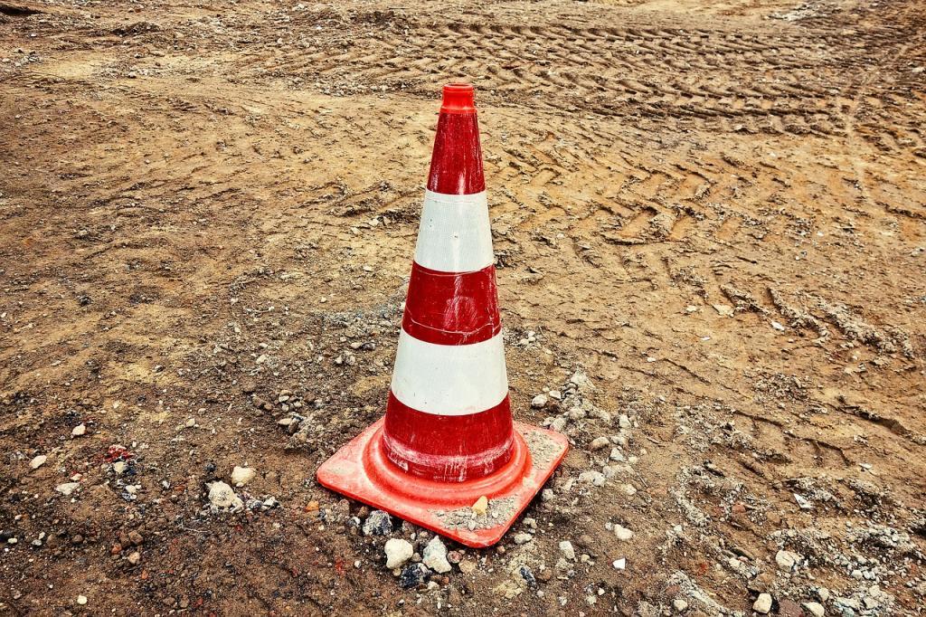 Водителей Петербурга предупредили о новых ограничениях на дорогах