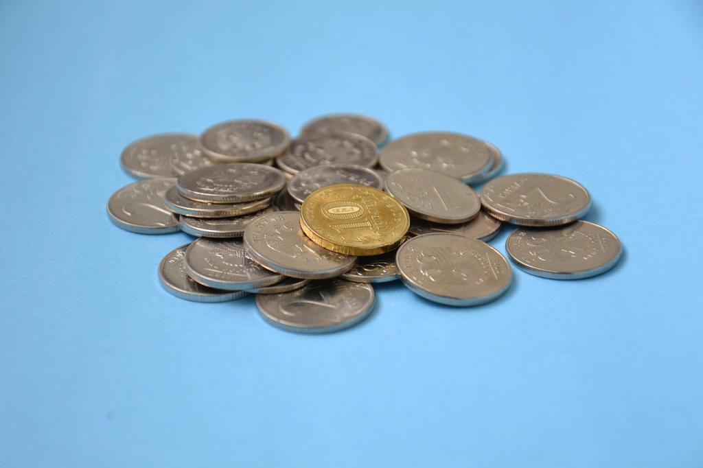 Некоторым льготникам в России повысят социальные выплаты и пособия