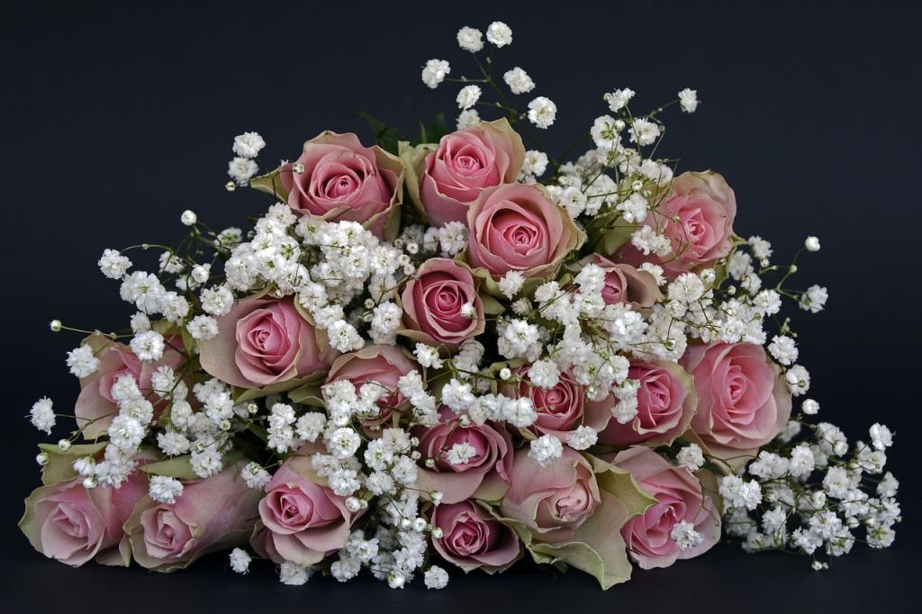 Петербургский предприниматель заплатит штраф за работу цветочного