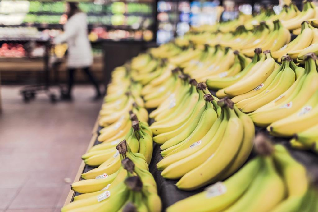 Что россияне чаще всего покупают в супермаркетах