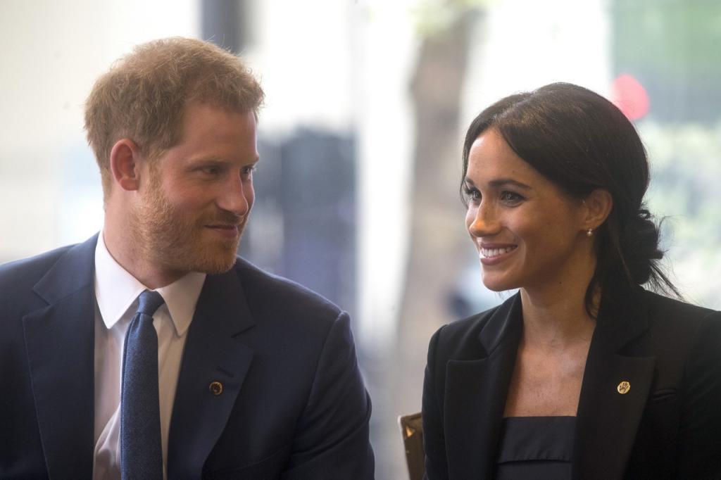 Принц Гарри и Меган Маркл тайно поженились за три дня до свадьбы