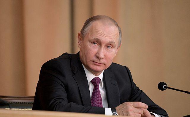 Путин пришел со своим термосом на ужин в честь лидеров стран G20
