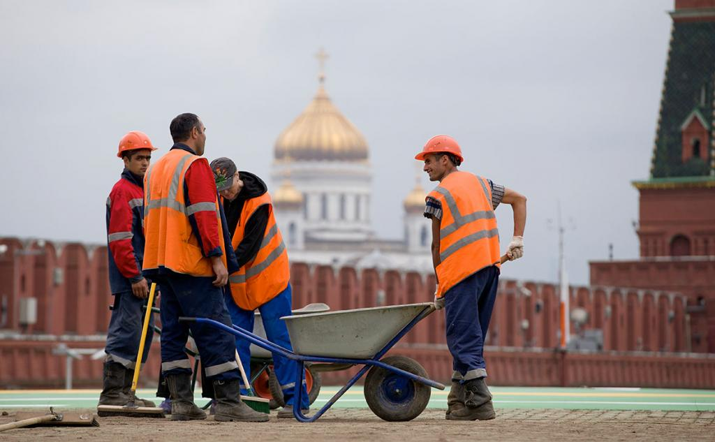 Мигранты. Фото: Иван Секретарев / AP