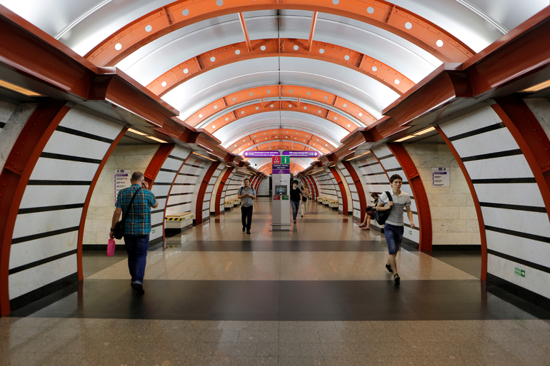 Станции метро санкт-петербурга фото вестибюли
