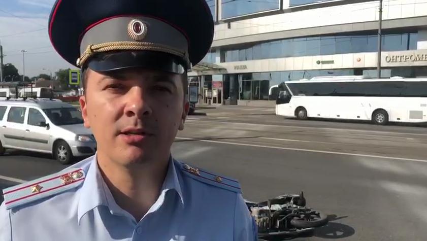 Мотоциклистка погибла на съезде с моста Александра Невского