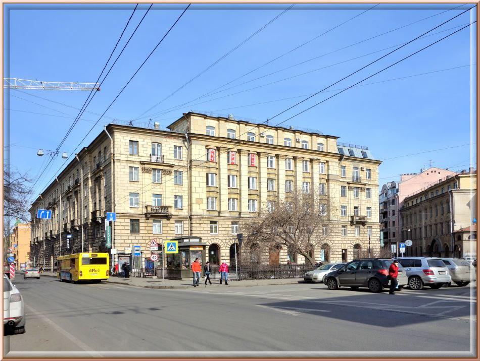 Двери Библиотеки имени Ленина открыты после ремонта