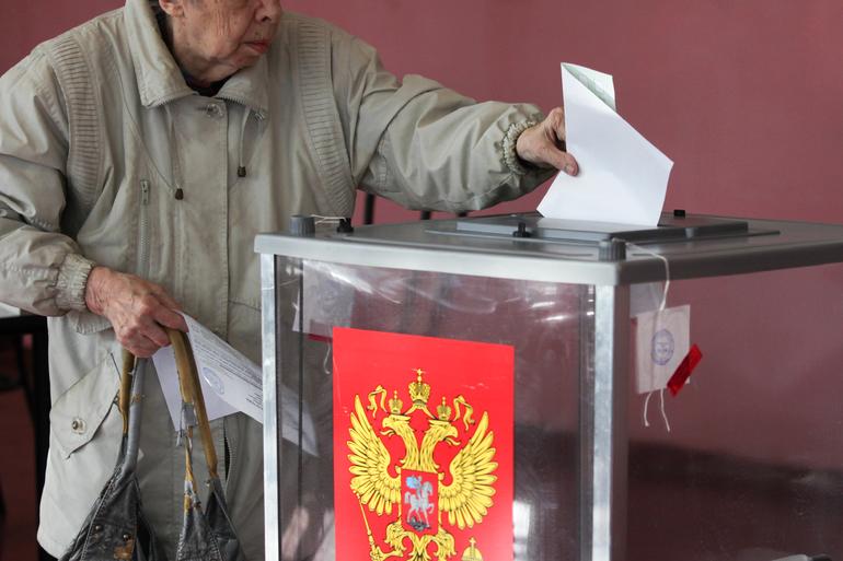 На 18:00 явка на выборах в Петербурга составила 23,69%