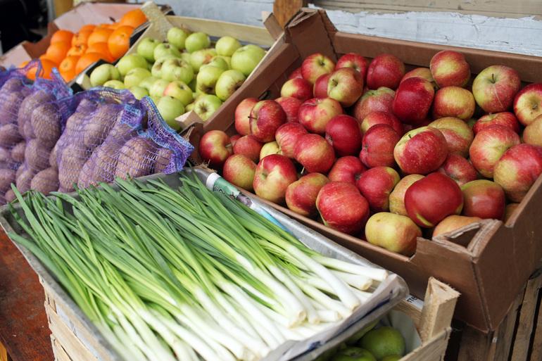 Более 26 тыс. тонн продуктов пропустили в Петербург сотрудники Россельхознадзора