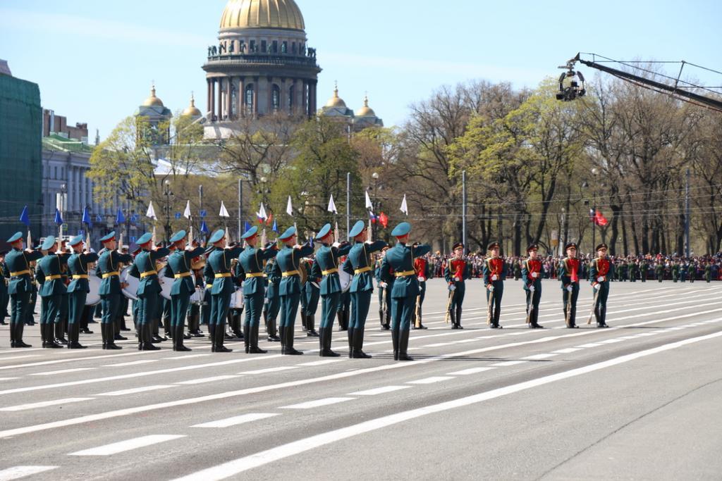Петербургские депутаты одобрили закон о кадетском образовании