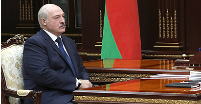 «Нет необходимости»: Лукашенко не проходил тест на коронавирус
