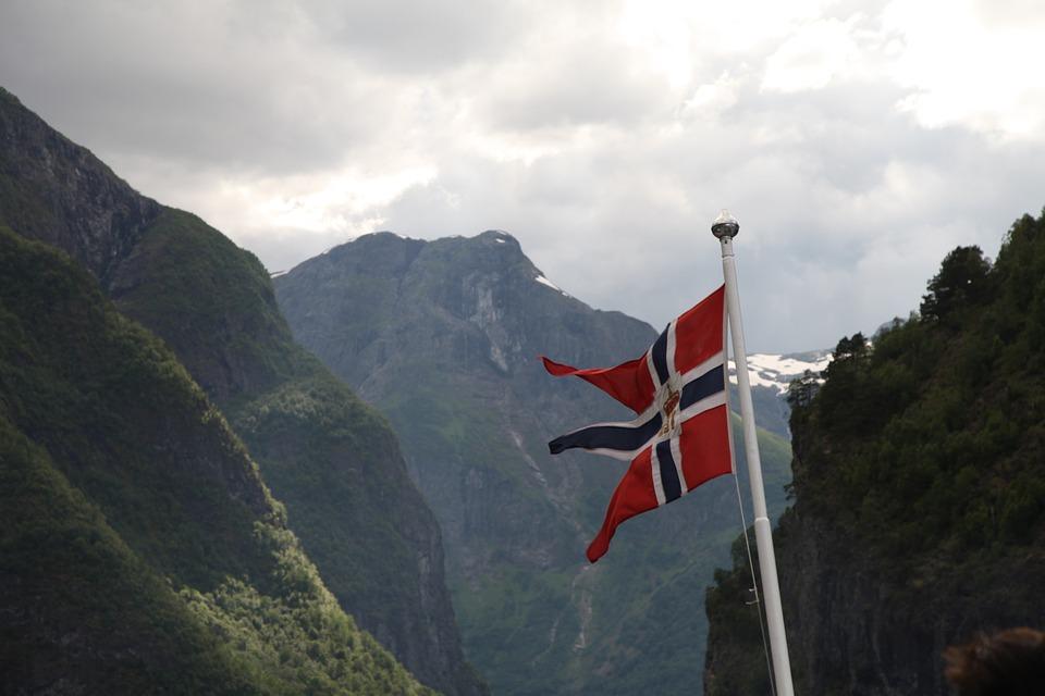 В Норвегии скончались два человека, привитые Pfizer