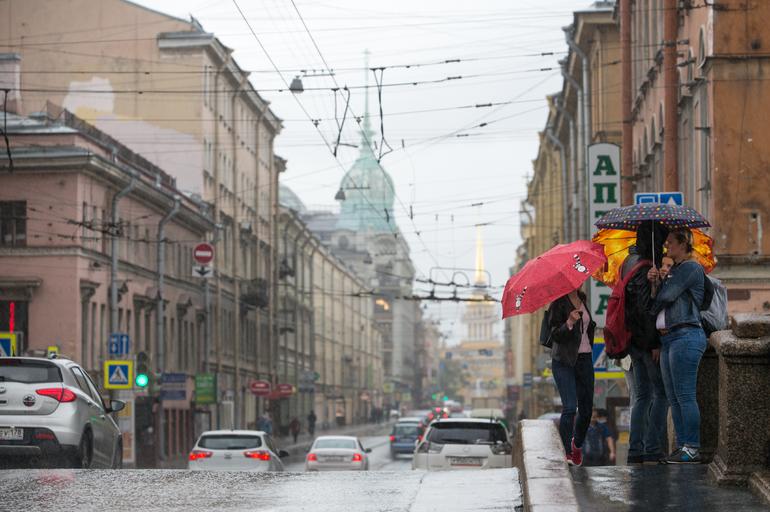 Июль в Петербурге продолжает быть прохладным и дождливым
