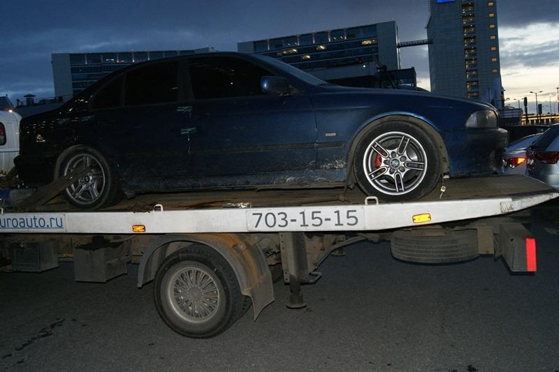 В Петербурге сотрудники таможни изъяли белорусский BMW