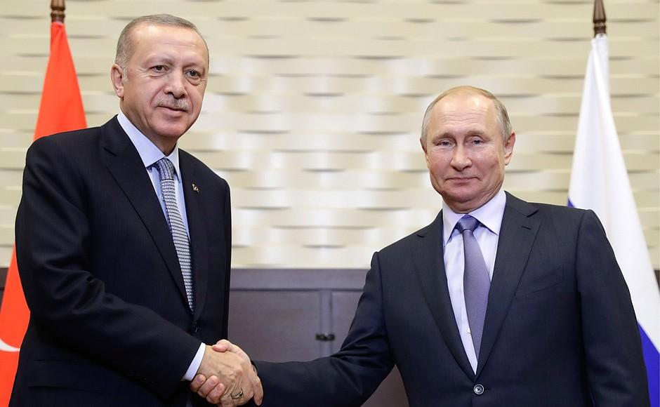 Путин и Эрдоган обсудили возможность выпуска «Спутника V» в Турции и возобновление туризма