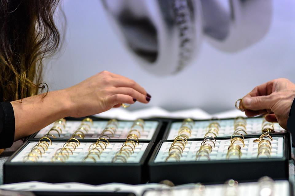 Продажи ювелирных изделий упали в Санкт-Петербурге