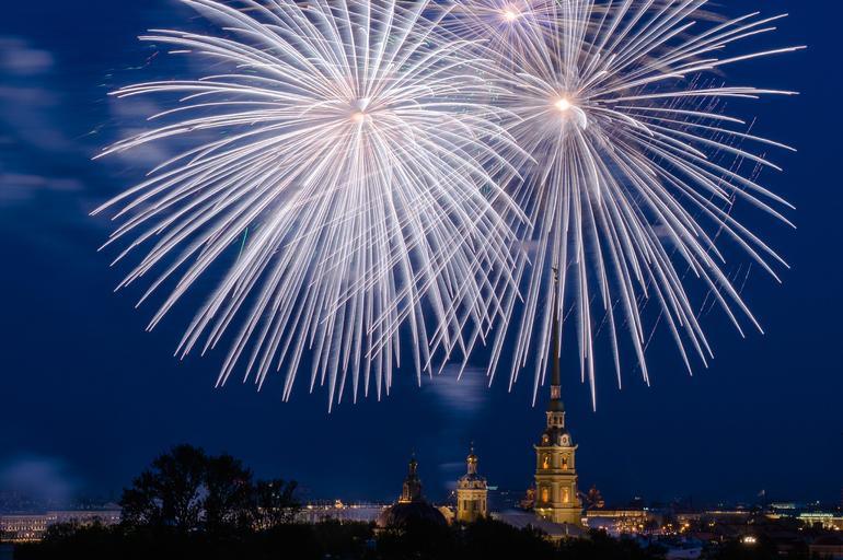 В День города в Петербурге дадут артиллерийские залпы