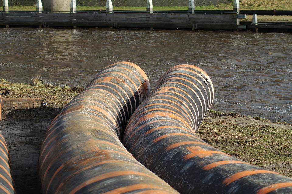 Бизнесмены в Ленобласти загрязнили ручей Горелый в Тосненском районе