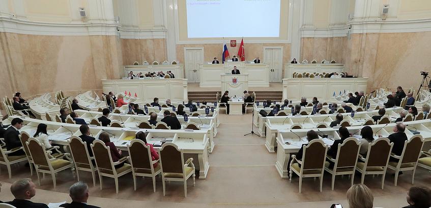 В Петербурге ЗакС предложит закрепить понятие дистанционных форм соцобслуживания населения в законе