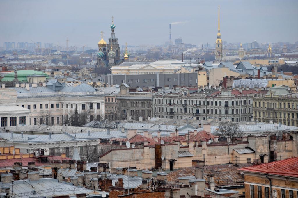 Россия выдала иностранцам почти 30 тысяч электронных виз в Петербург за октябрь