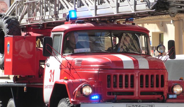 Спасатели эвакуировали жильцов в Терпилицах из-за пожара в жилом доме