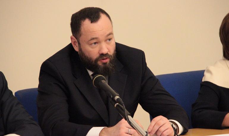 В «Единой России» прокомментировали недопуск Анохина к регистрации на праймериз