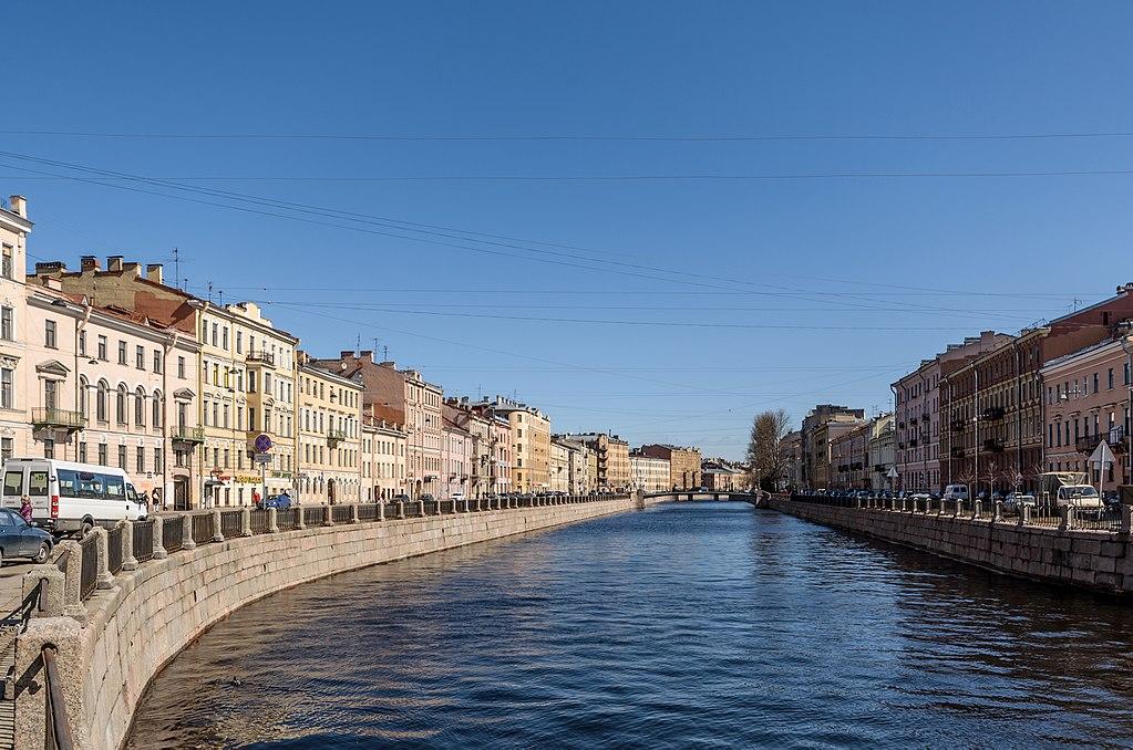 Советская граната плавала в канале Грибоедова со времен войны