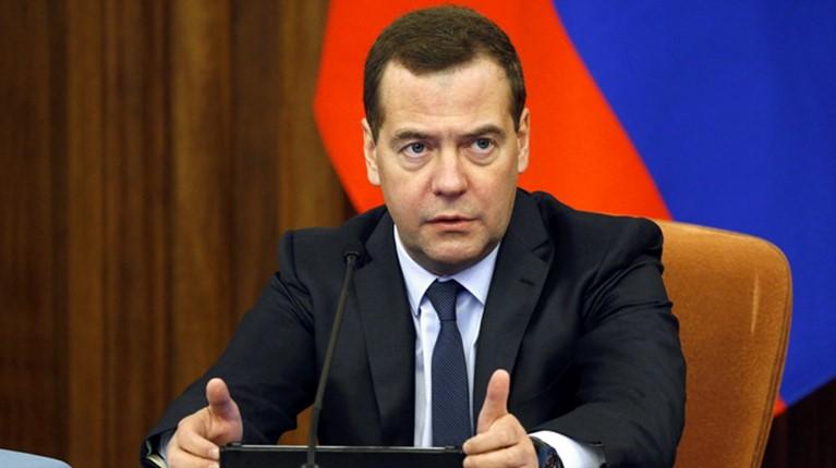 Названы возможные планы Медведева после отставки