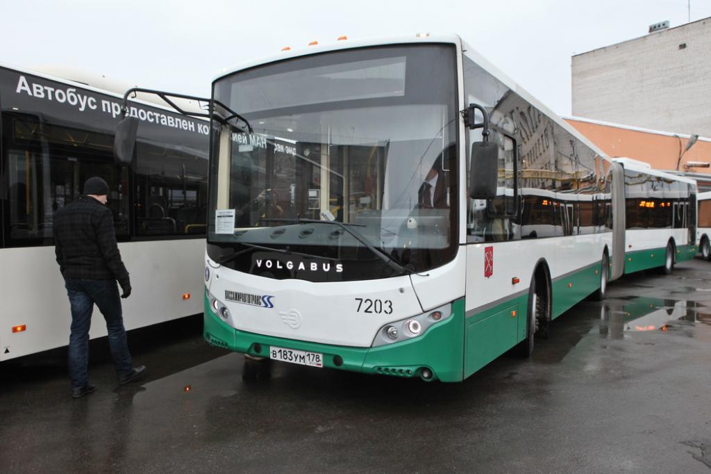 Петербуржцев предупредили об изменении маршрутов общественного транспорта