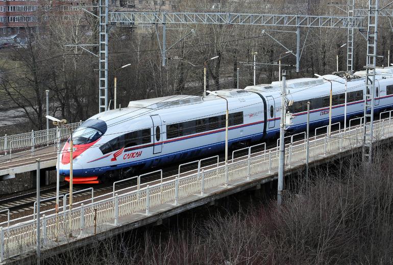 Между Москвой и Петербургом пустят дополнительные поезда