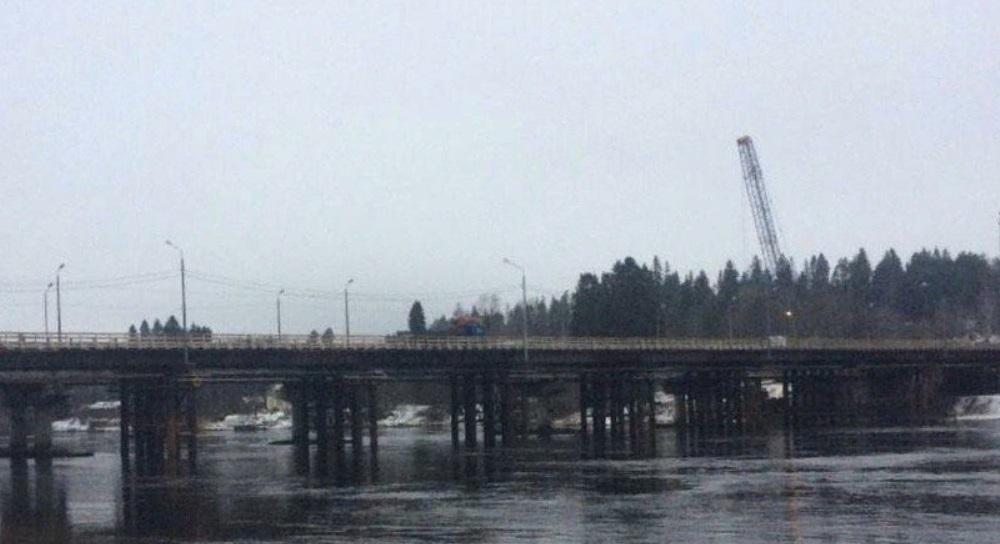 По временному мосту через реку Вуокса на трассе Выборг – Светогорск открывается движение
