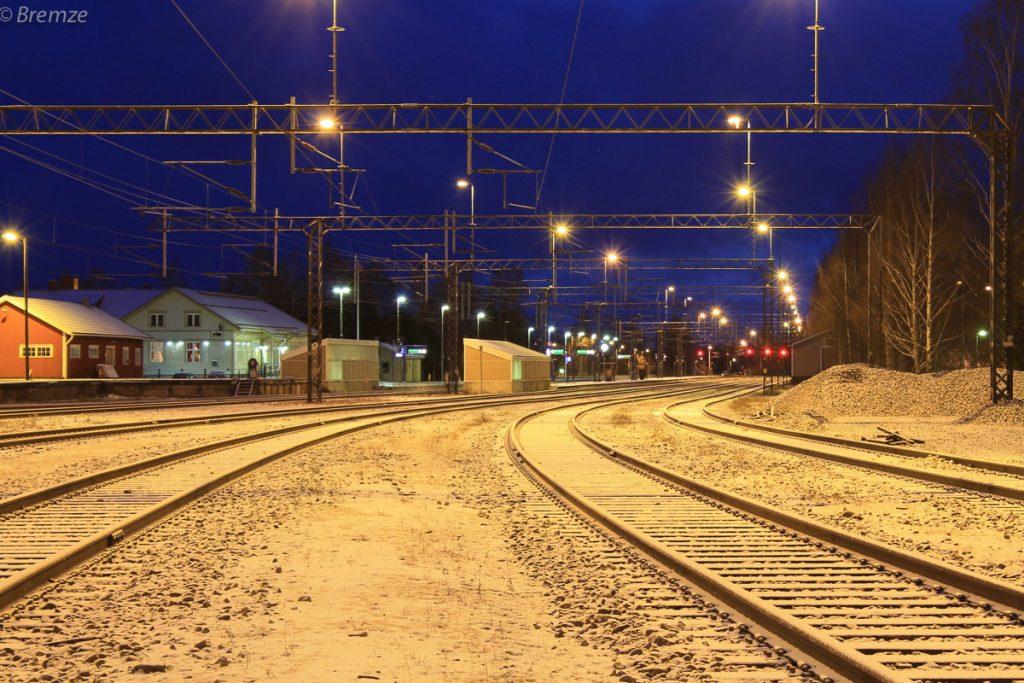Мужчину насмерть сбил поезд на перегоне Бернградовка-Всеволожск