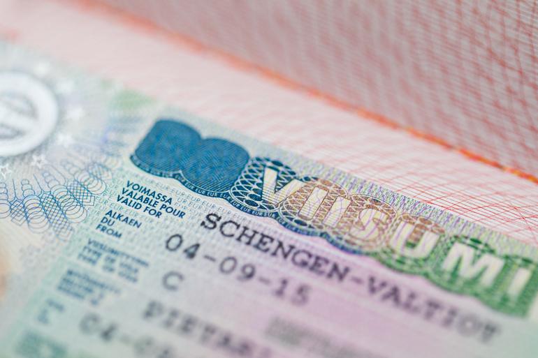 В Финляндии хотят отменить визы для петербуржцев