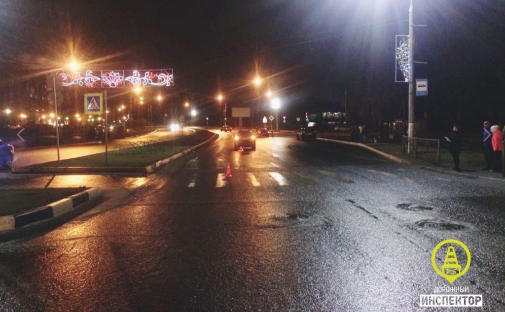В Сети появились кадры с места ДТП в Сосновом Бору, где сбили ребенка