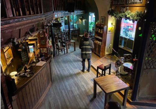 ККИ выселил из исторического здания на Фонтанке джаз-бар «Дом 7»