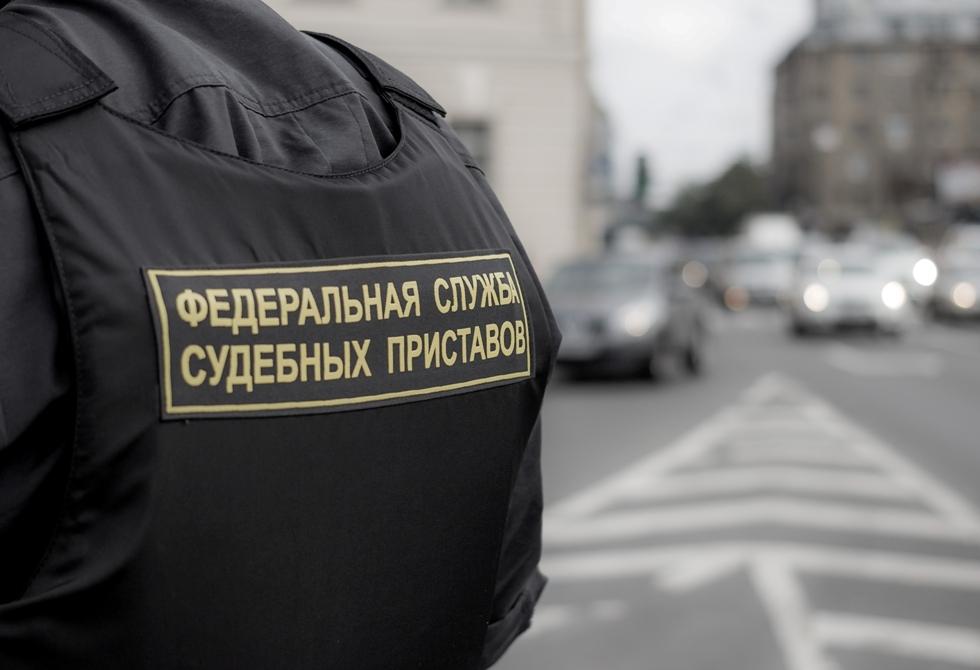 Приставы Петербурга взыскали с 17-летнего подростка штраф в 4 тысячи рублей за употребление наркотиков