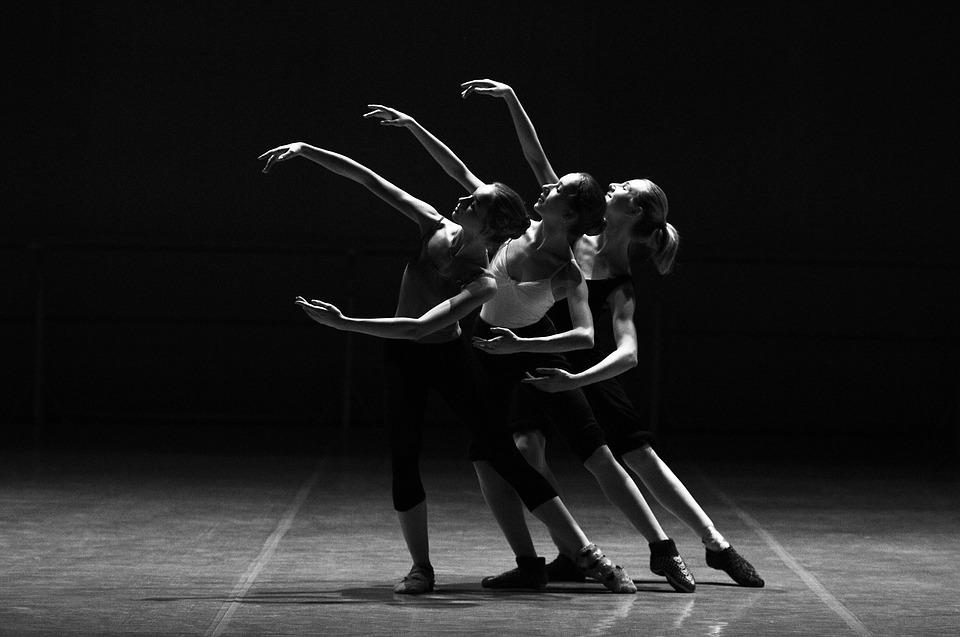 Нейросеть научилась идентифицировать личность по танцу