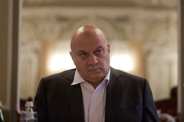 Суд продал дом и землю бизнесмена Ебралидзе для погашения долга в 300 млн рублей