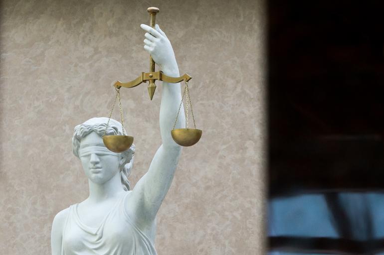 Петербуржца оштрафовали на 20 тысяч за пикет против повышения тарифов