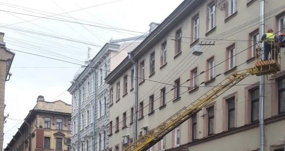 На Петроградке обновят уличное освещение