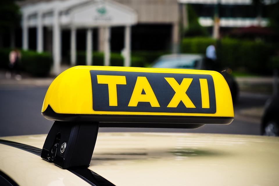 Напавших на таксиста у ТЦ на Лиговском злоумышленников проверят по другим эпизодам