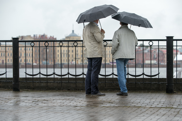 Петербург ждет облачный и дождливый понедельник