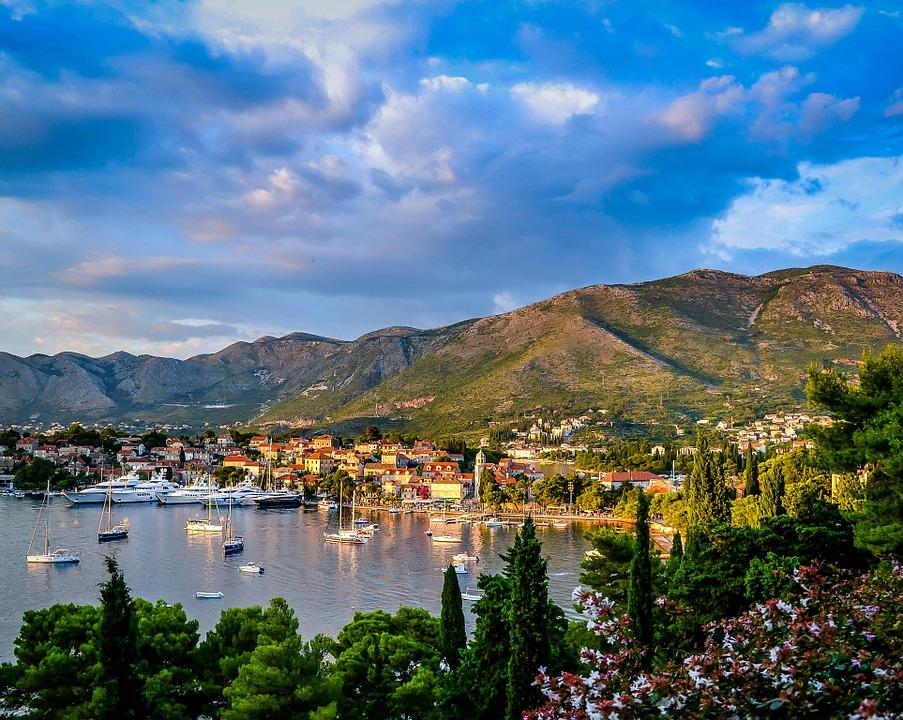 В Черногории рассказали, когда планируется открытие авиасообщения с Россией