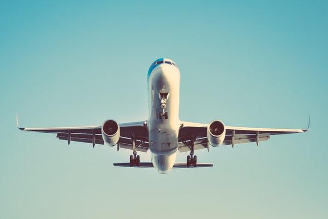 Анонимы сообщили о бомбе на борту самолета Петербург — Екатеринбург
