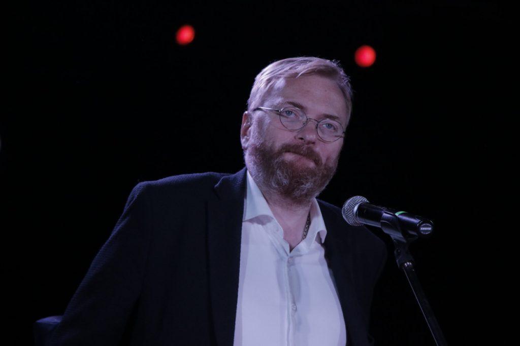 Милонов предложил закрыть кальянные в Петербурге из-за пандемии коронавируса