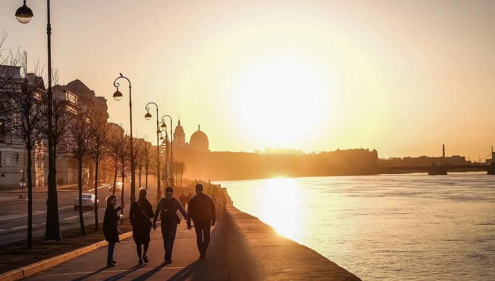 Петербург на периферии антициклона: температура в городе выше нормы