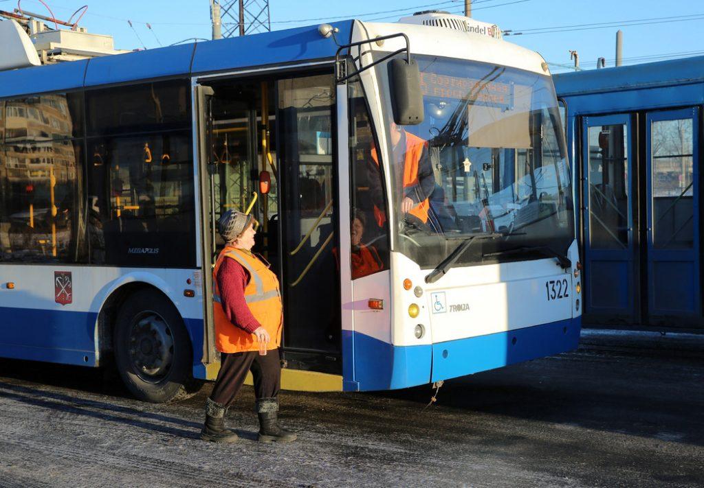Троллейбус №7 не будет ходить по Петровскому проспекту до 22 сентября