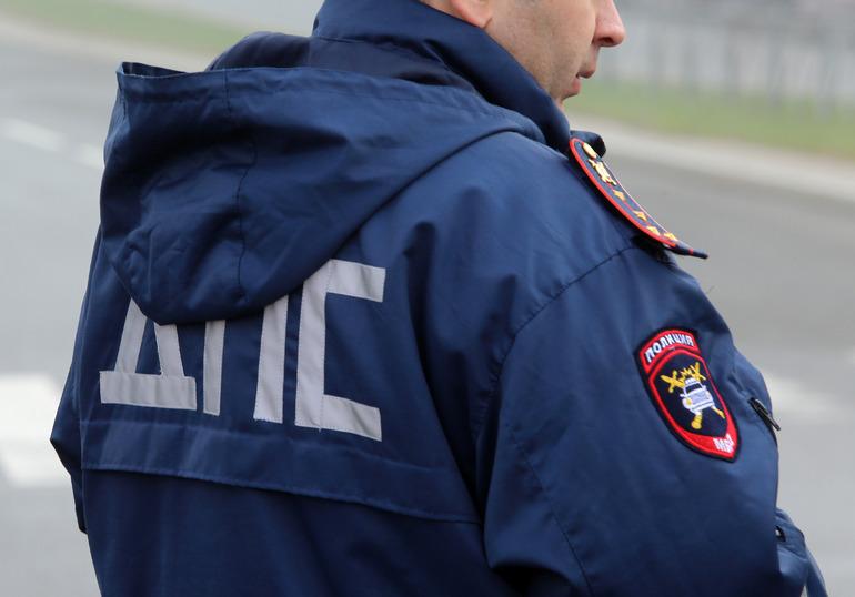 Подросток сел за руль каршеринга и попался полиции в Невском районе